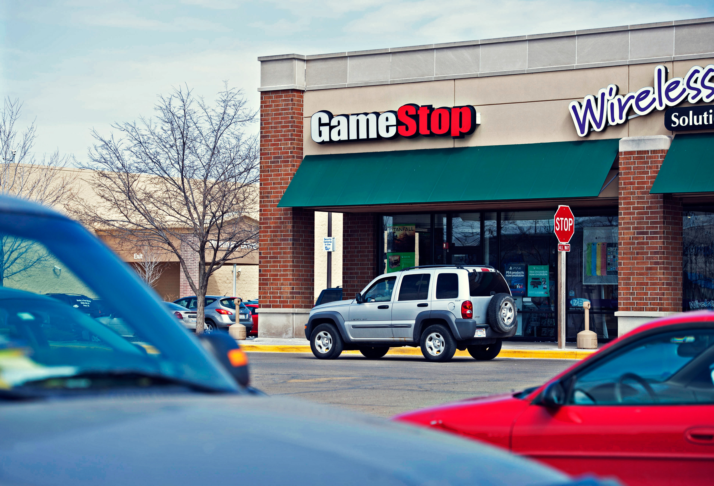 GameStop Holiday Hours Open/Closed in 2017 | US Holiday Hours