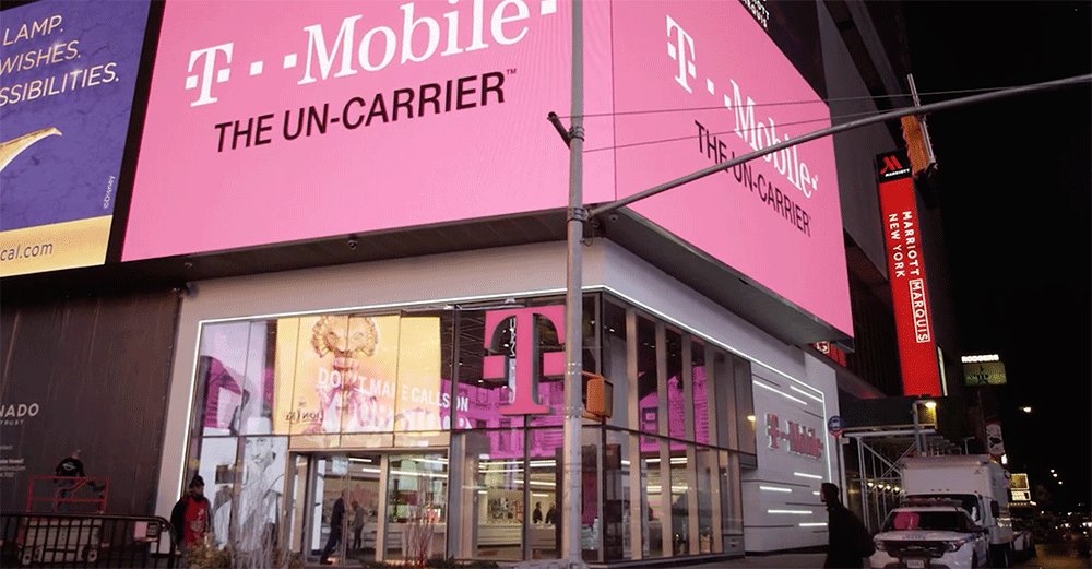 t mobile new years hours