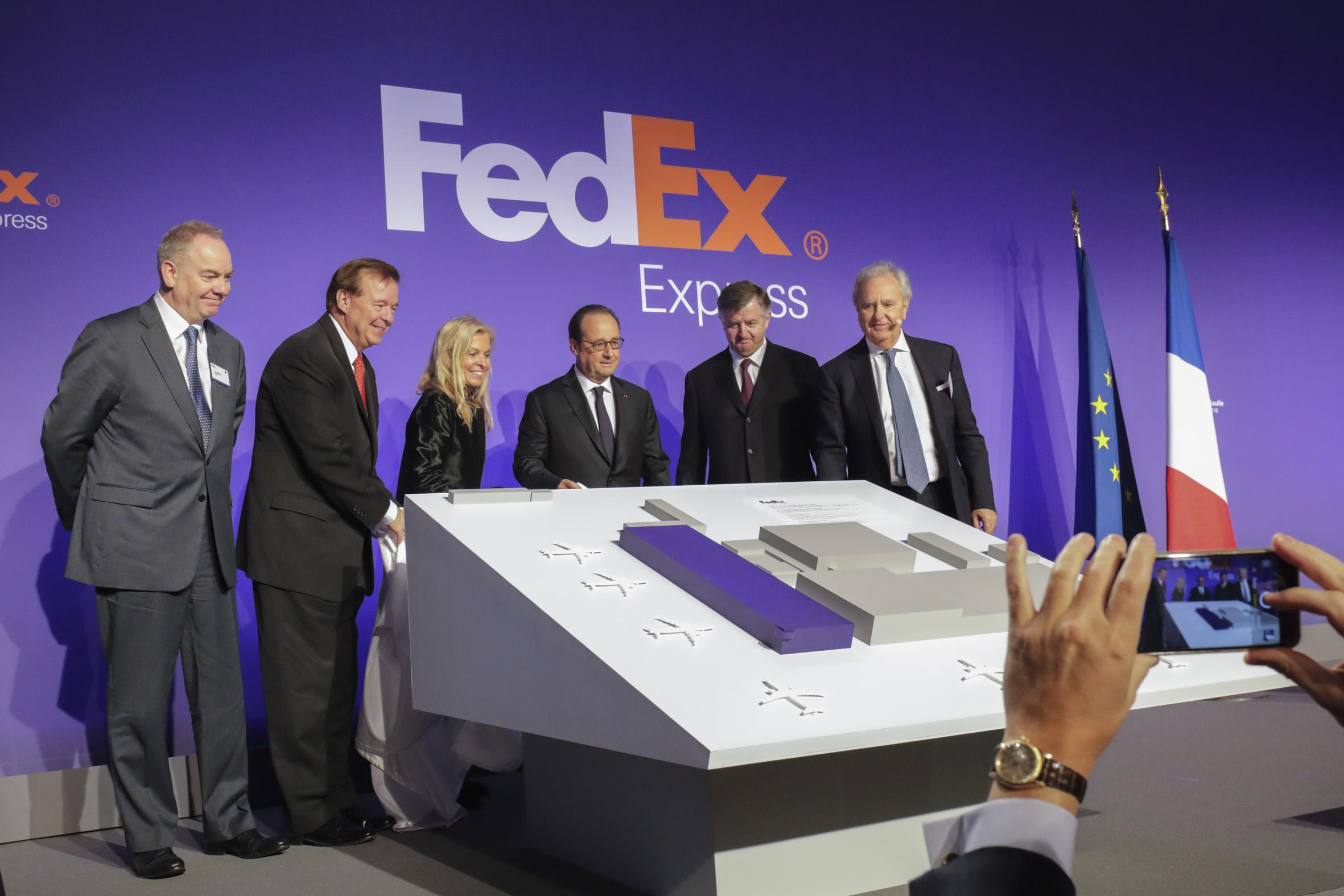 FedEx hours, FedEx near me