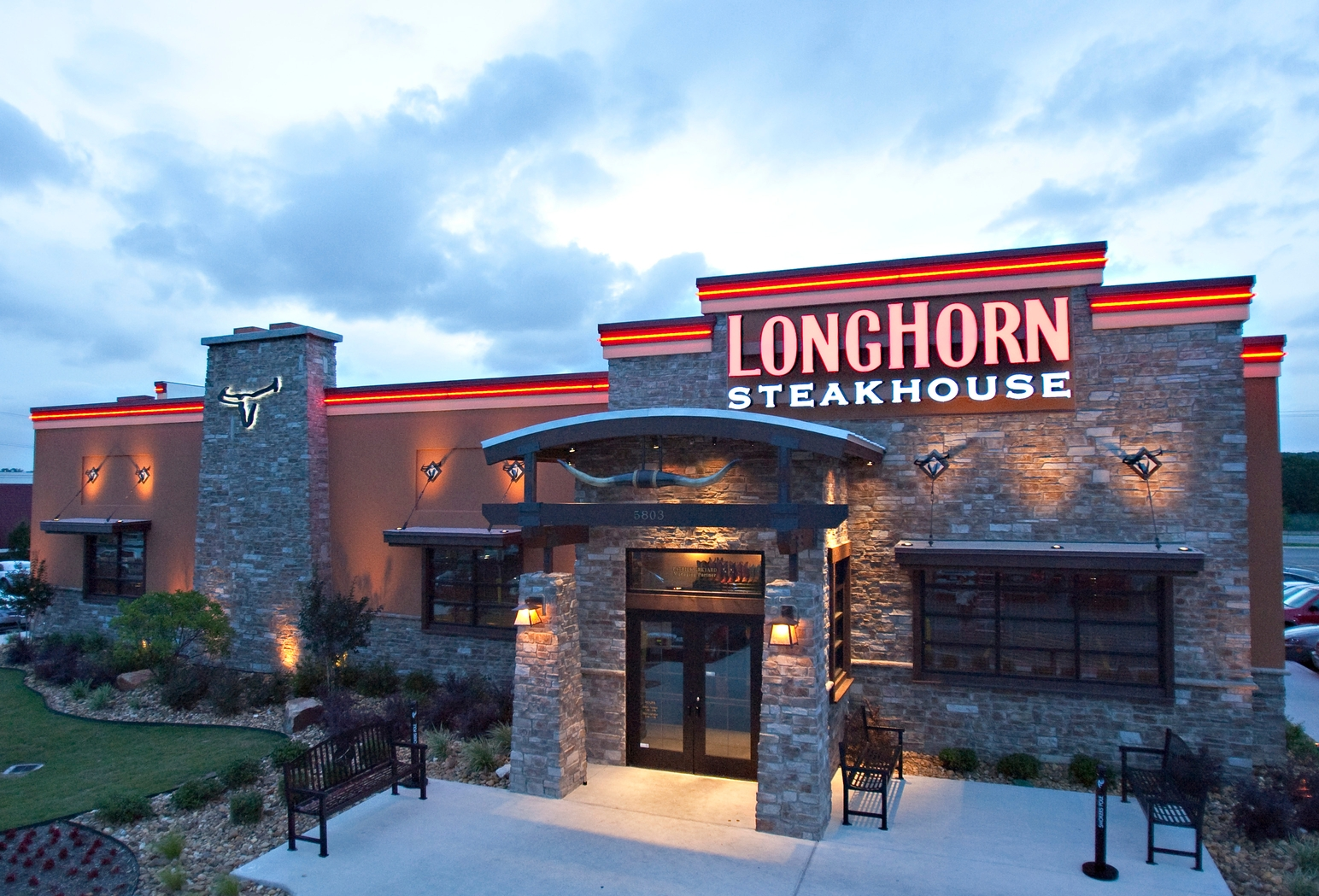 Longhorn Steakhouse near me, Longhorn steakhouse restaurant, Longhorn steakhouse hours, Longhorn Steakhouse location