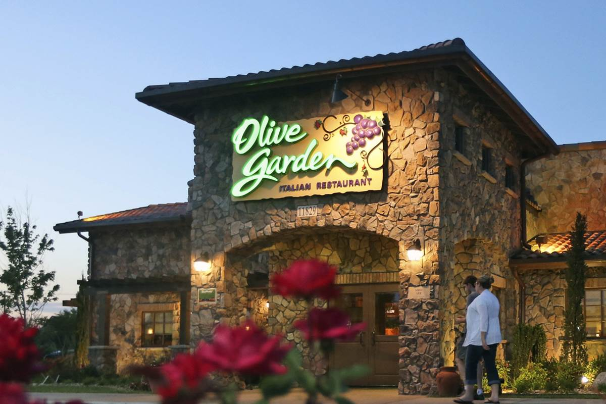 Olive Garden Holiday Hours & Location Near Me | US Holiday Hours